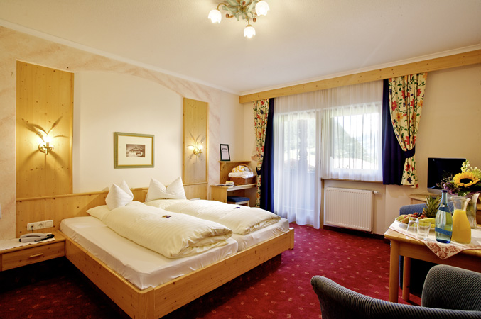 ... single beds or pull-out sleeper couch Shower / WC Balcony or terrace